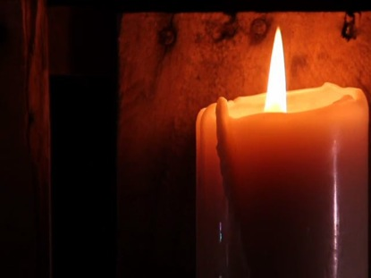 PALLET CANDLE 03