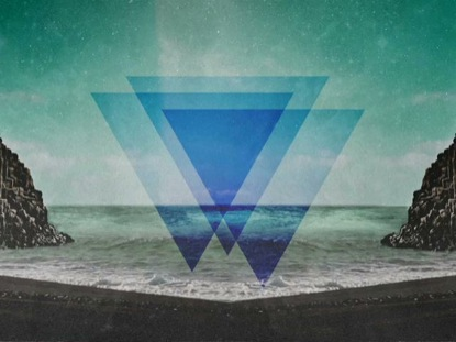 GEOMETRIC TRIANGLE BEACH