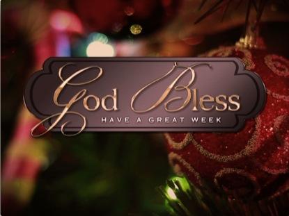 TRADITIONAL CHRISTMAS CLOSE 2