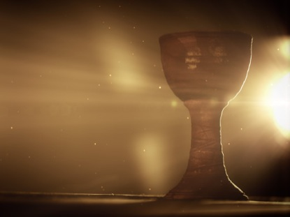 COMMUNION CHALICE LIGHT RAYS