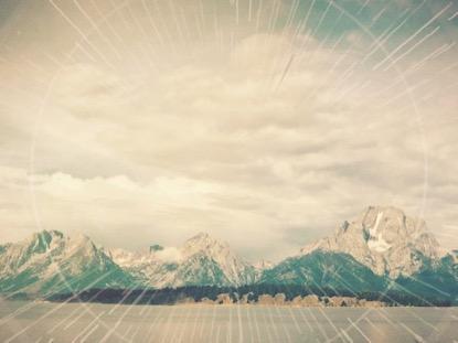 MOUNTAIN RAYS MOUNTAIN TOP