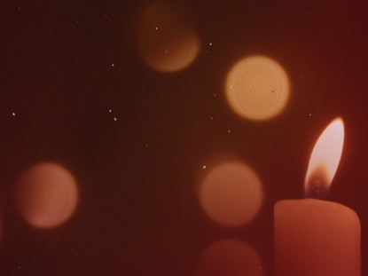 WARM CANDLELIGHT BOKEH