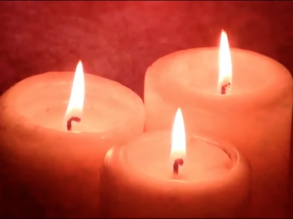 CHRISTMAS HOLIDAYS RED CANDLES