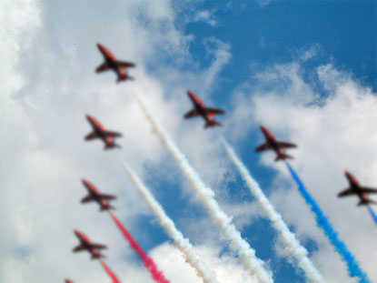 RED WHITE AND BLUE SMOKE PLANES