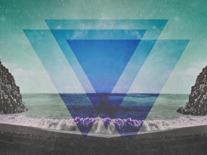 GEOMETRIC TRIANGLE BEACH