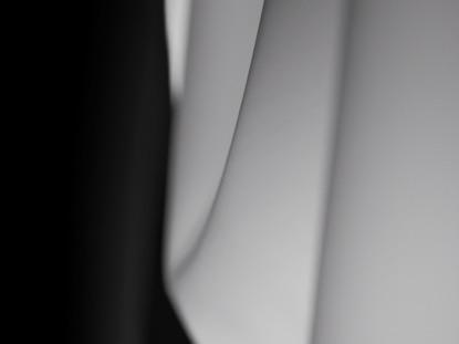 BLACK WHITE SPLIT CLOTH