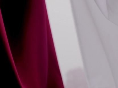RED WHITE SPLIT CLOTH