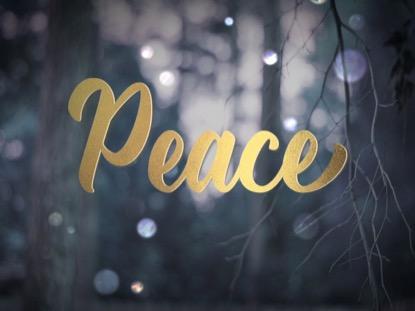 WINTER BOKEH PEACE ADVENT