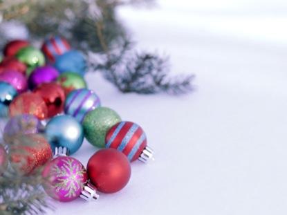 SNOWY CHRISTMAS BULBS