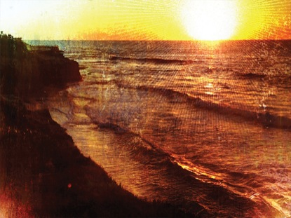 RUSTED CLIFF SUNSET