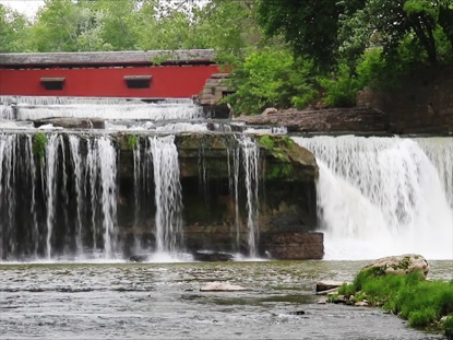 WATERFALL AND COVERED BRIDGE LOOP