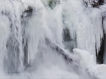 WINTER WATERFALL LOOP