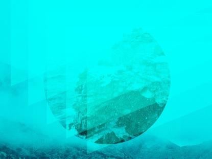 GEOMETRIC BLUE CIRCLE